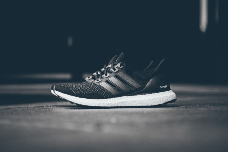 adidas-ultra-boost-black-white2
